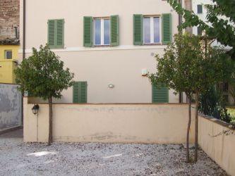 Foligno, centro storico, via Aurelio Saffi